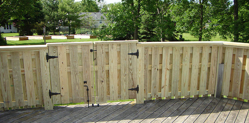 Wisconsin fencing decks construction contractor High Quality Contracting Inc