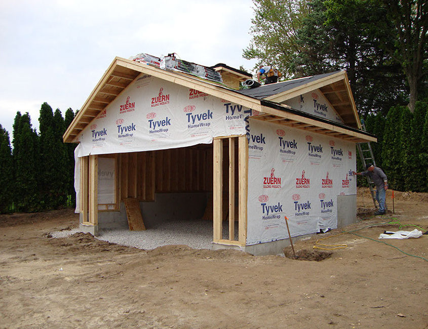 Wisconsin garage shed construction contractor High Quality Contracting Inc