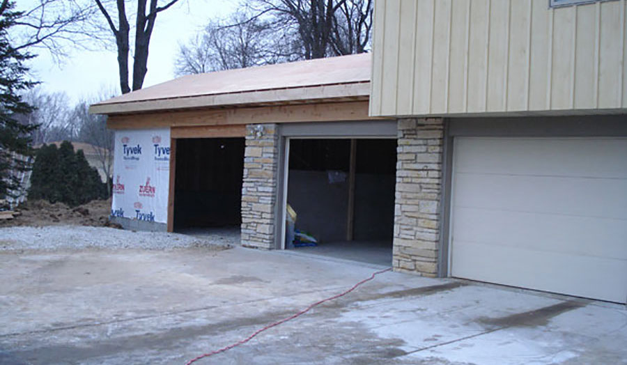 Wisconsin new garage construction contractor High Quality Contracting Inc
